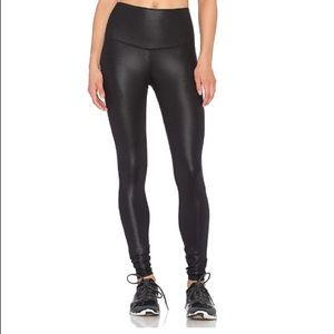 NWT ALO Yoga High Waist Air Brushed Leggjngs